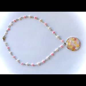 Pearls and Shells Necklace in Pink